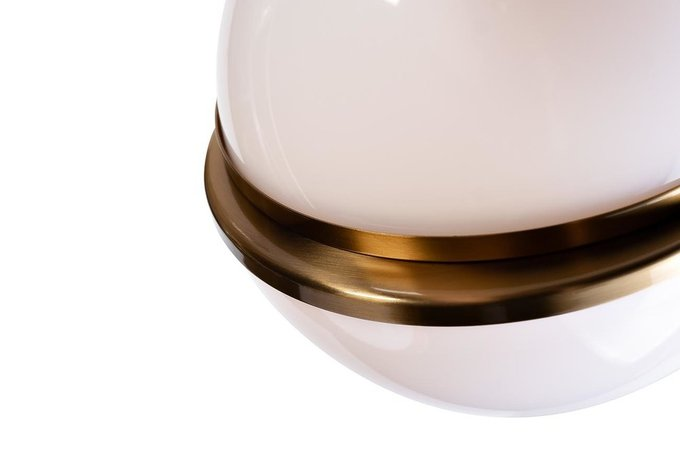 Подвесной светильник с белыми плафонами