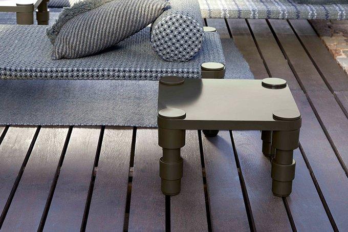 Маленький столик Gan Green зеленого цвета