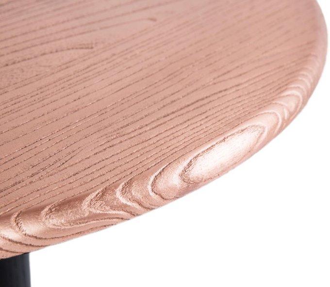 Стол обеденный из дерева