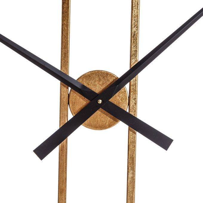 Часы настенные золотого цвета