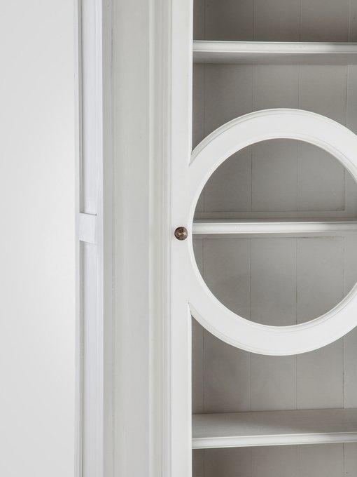 Витрина из массива березы с декорированной дверцей 230х82х45 см