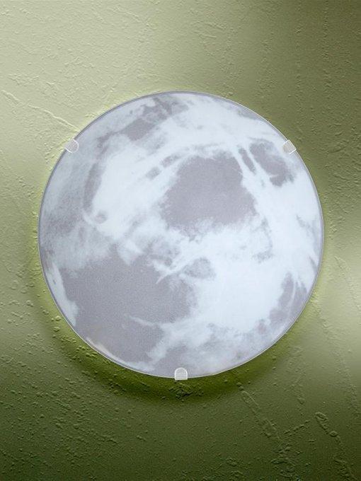 Настенно-потолочный светильник с плафоном из стекла