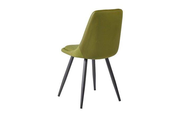 Стул с металлическими ножками зеленого цвета