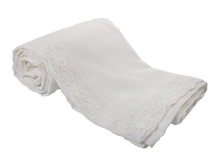 Скатерть на стол белого цвета