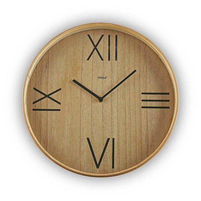 Часы настенные коричневого цвета