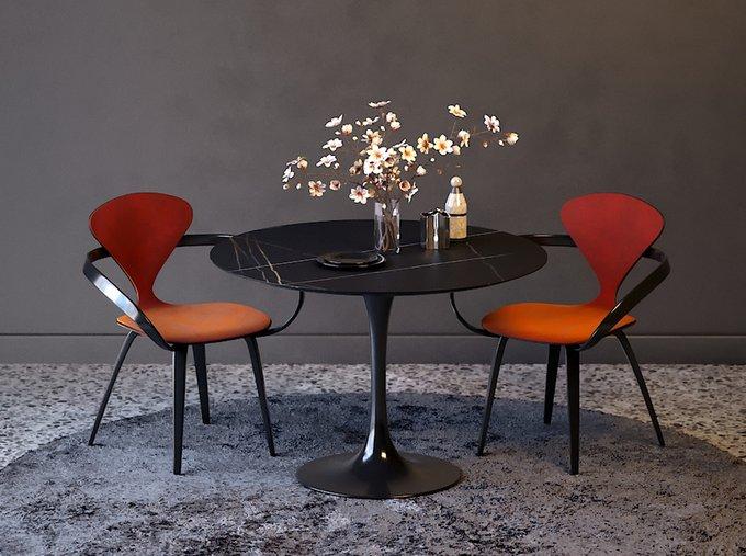 Обеденный стул Apriori N с обивкой сиденья из натуральной кожи белого цвета
