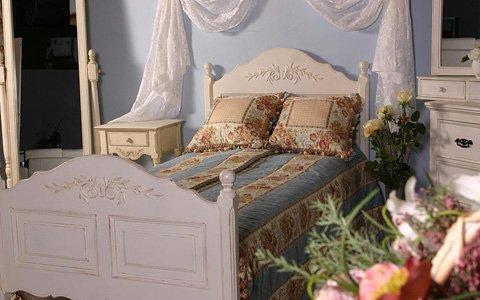 Кровать полутороспальная из массива бука 140х200 см