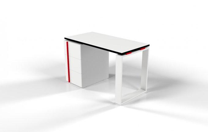Рабочий стол для персонала белый с красной проставкой