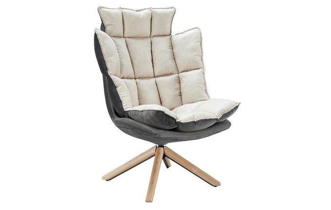 Дизайнерское кресло бежевого цвета