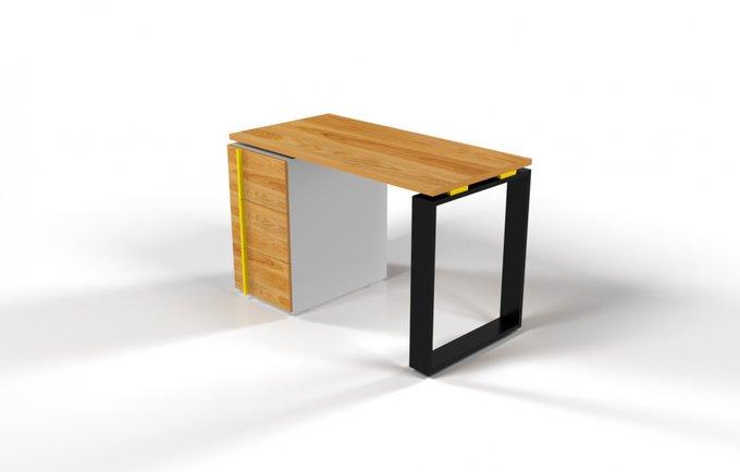 Рабочий стол для персонала со столешницей под дуб и желтой проставкой