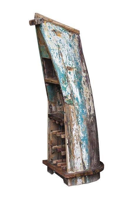 Винный шкаф малый Кусто из старой рыбацкой лодки