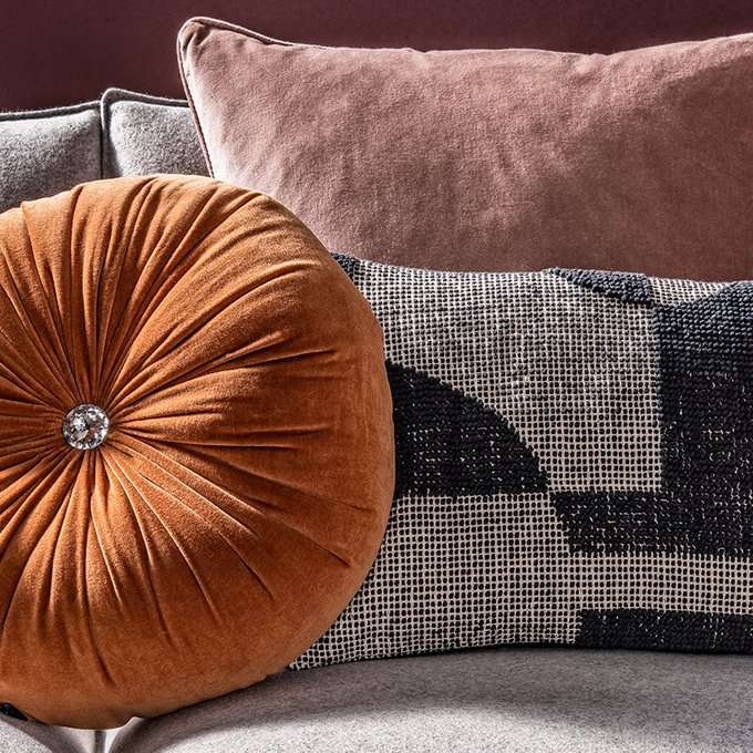 Подушка - думка Veronica коричневого цвета