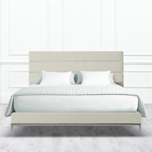Кровать Letto из массива с обивкой бежевого цвета