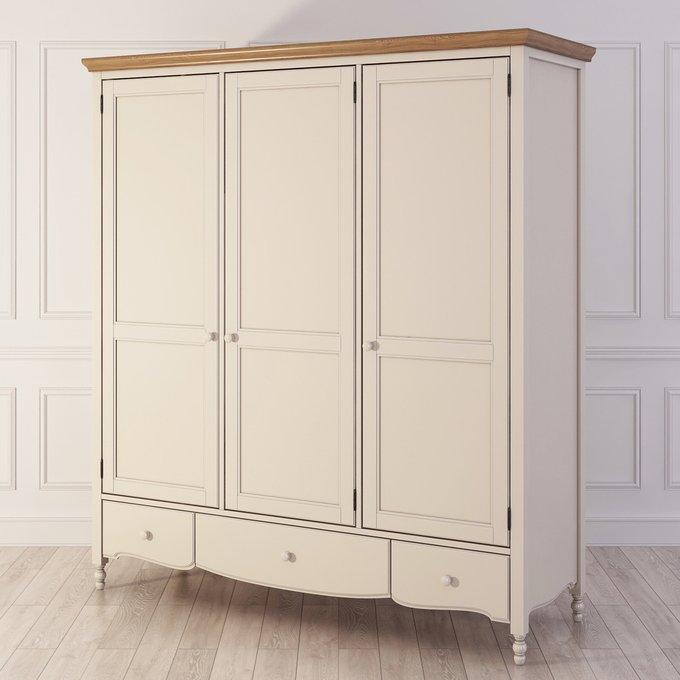 Шкаф трехстворчатый Leblanc бежевого цвета
