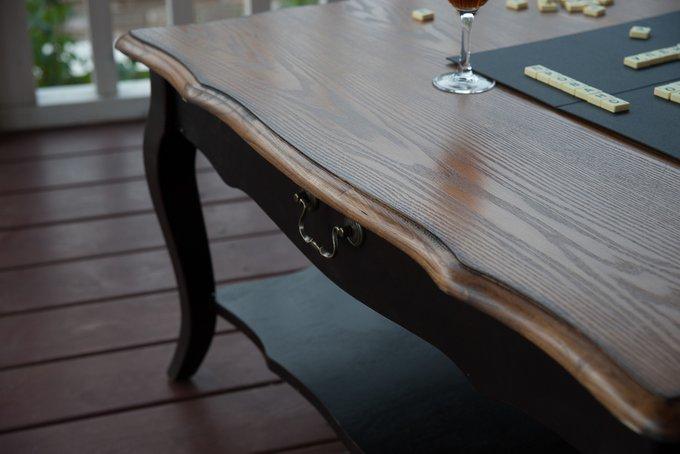 Чайный столик цвета темный шоколад
