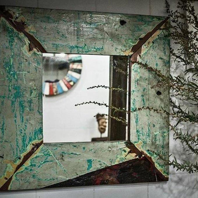 Настенное зеркало Пазл в раме из массива тика