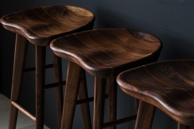 Барный стул из американского ореха