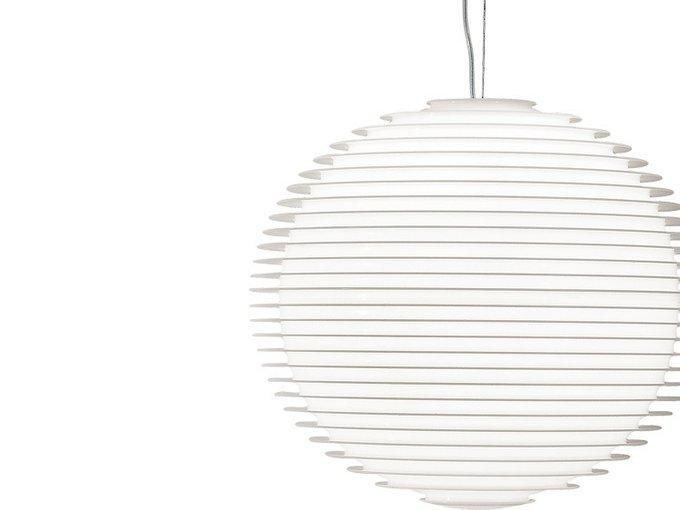 Подвесной светильник Rotaliana Flow с плафоном из литого опалового поликарбоната сферической формы