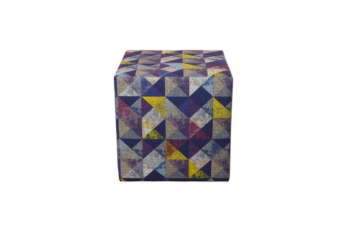 Каркасный пуфик на деревянной основе