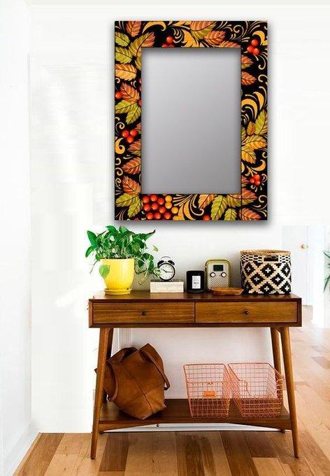 Настенное зеркало Рябиновый куст в раме из массива сосны 50х65