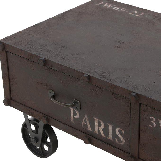 Журнальный столик коричневого цвета на колесах