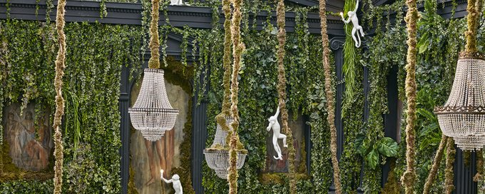 Настенный светильник SelettI Monkey из смолы белого цвет