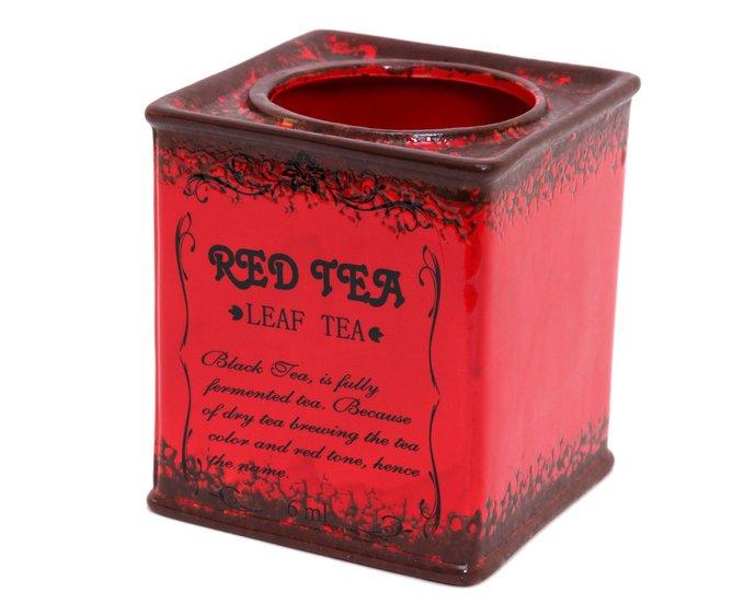 Керамическое кашпо красного цвета