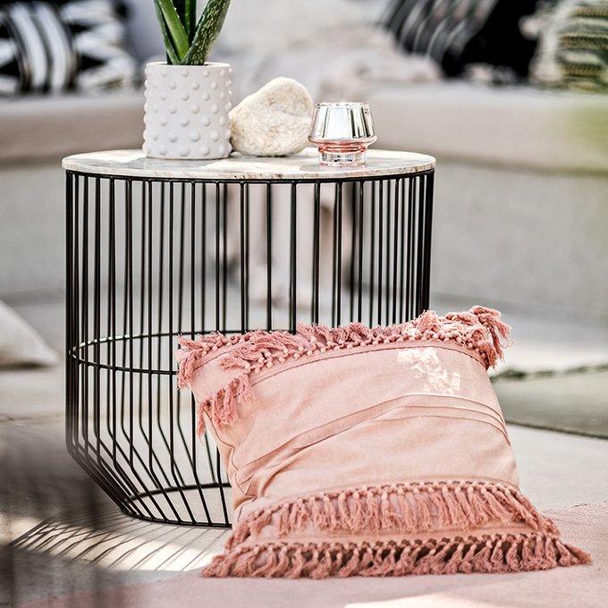 Декоративная подушка Chidike розового цвета