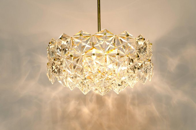 Подвесной светильник Hermitage на арматуре золотого цвета