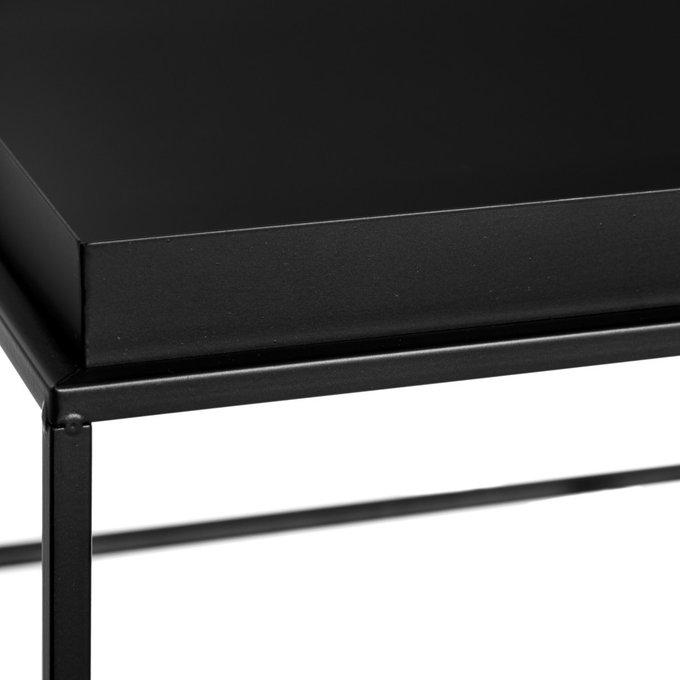 Журнальный столик из металла черного цвета