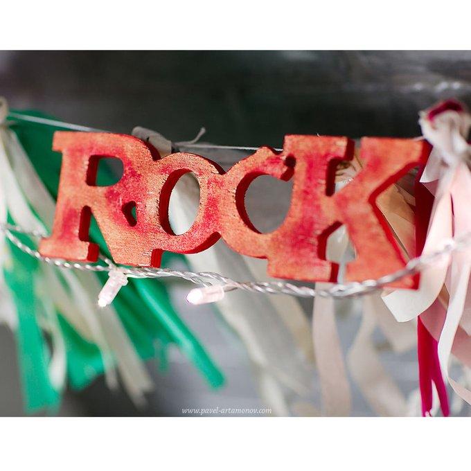 """Надпись """"rock"""""""