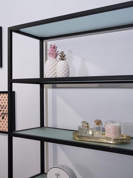 Стильный стеллаж с узкими стеклянными полками