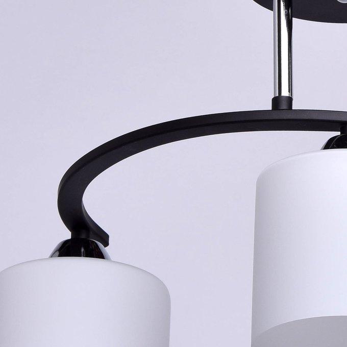 Потолочная люстра Тетро с плафонами из белого стекла