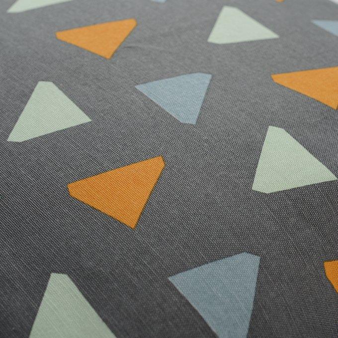 Чехол для подушки Wild дизайнерским принтом Triangles
