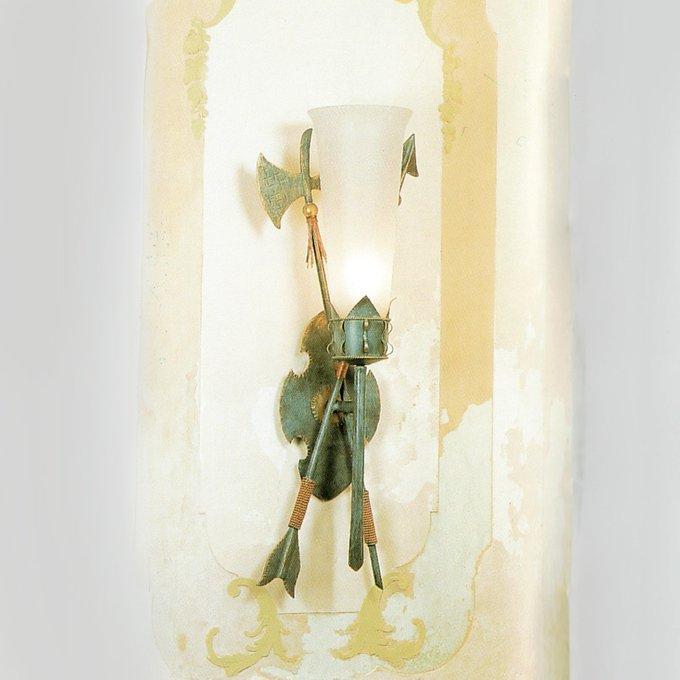 Бра MM Lampadari с плафоном из матового белого стекла