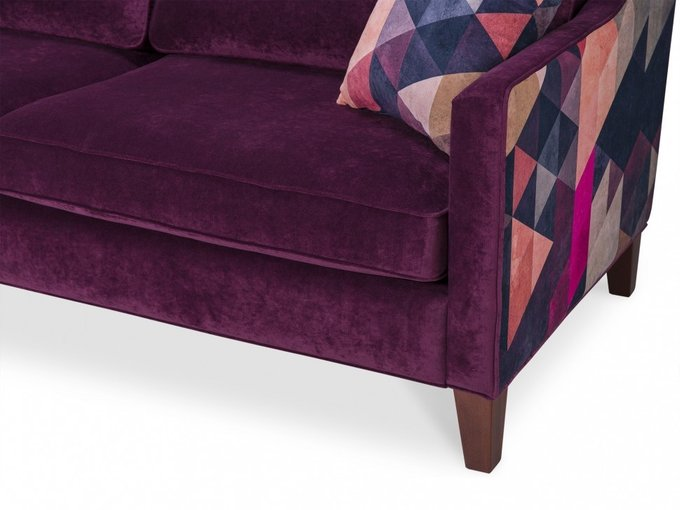 Диван Triangle Crimson by James Soares фиолетового цвета