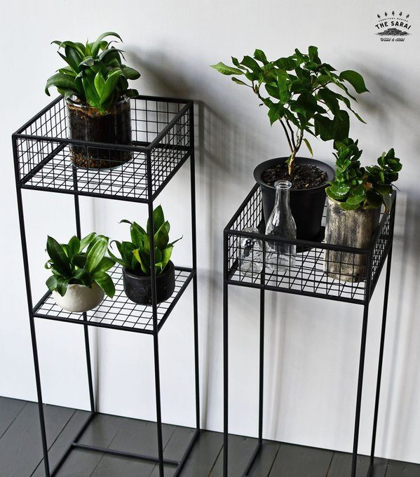 Подставка для цветов Grow черного цвета