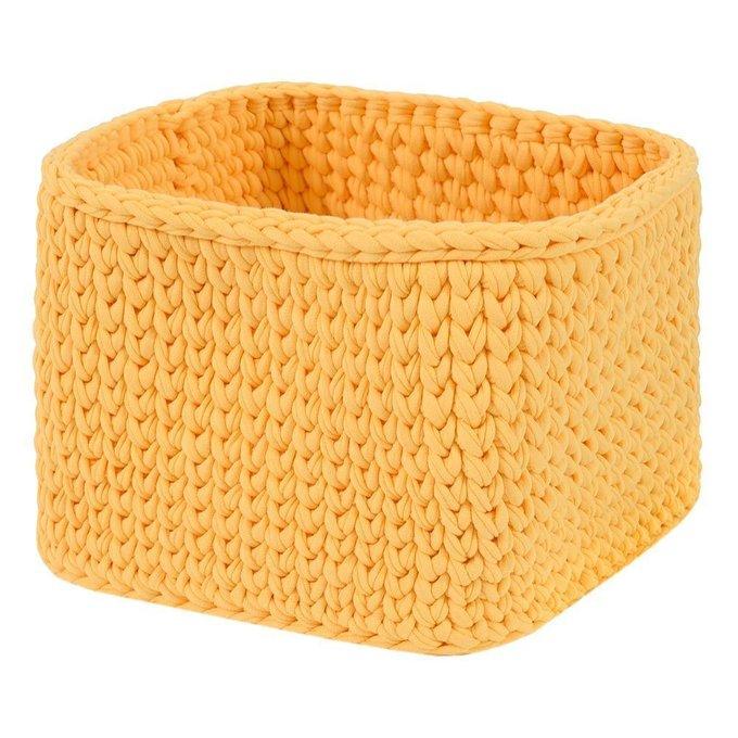 Вязаная корзина квадратная желтого цвета