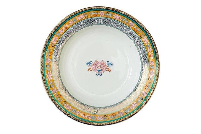 Суповая тарелка из фарфора