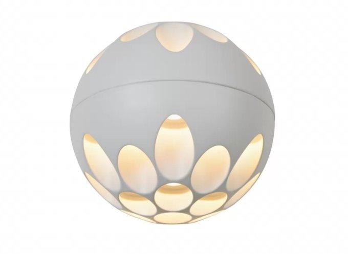 Настенный светильник Mob белого цвета