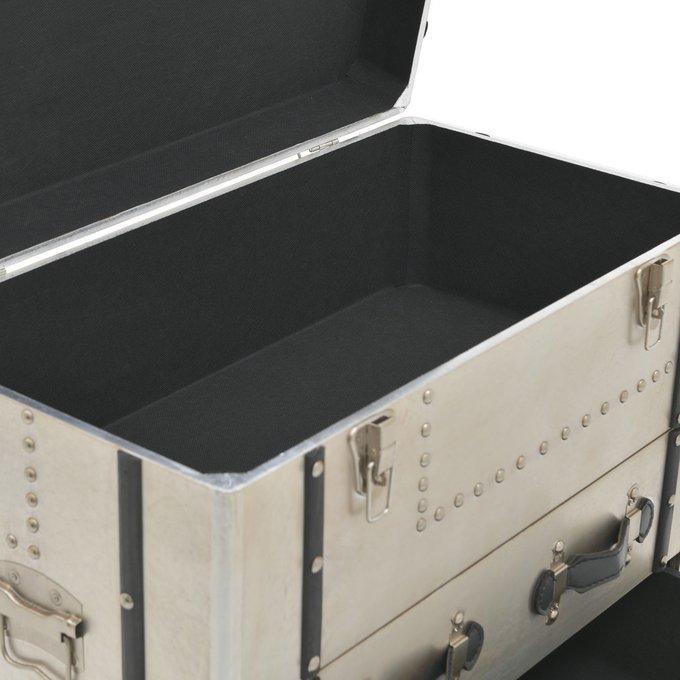 Комод с тремя выдвижными ящиками и крышкой
