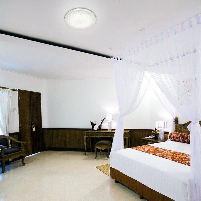 Настенно-потолочный светодиодный светильник Wave белого цвета