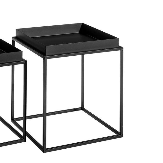 Журнальный столик черного цвета