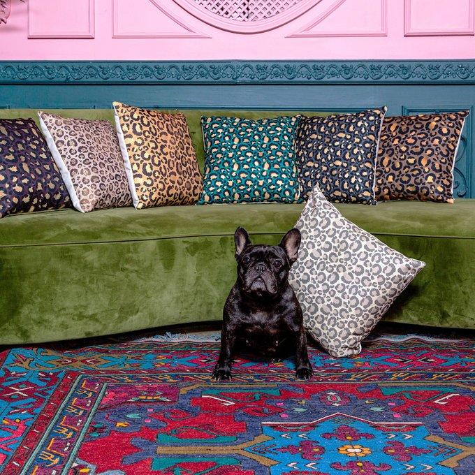 Интерьерная подушка Леопард с чехлом из полиэстера