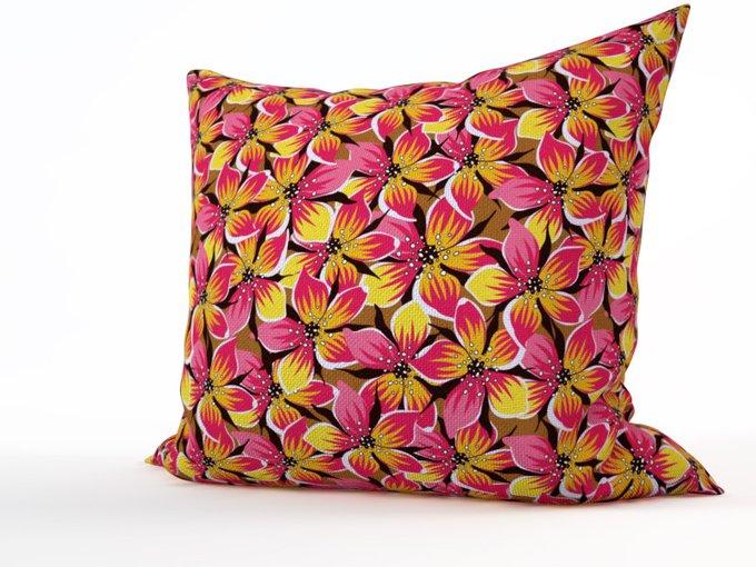 Дизайнерская подушка: Пять лепестков