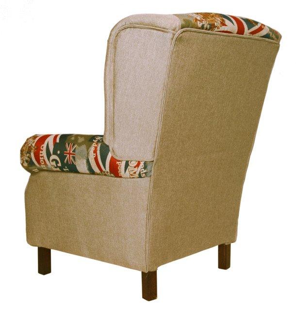Кресло светло-коричневого цвета