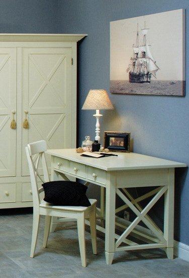 Стол письменный с ящиками  La Mer