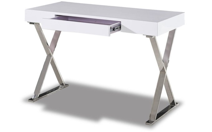 Письменный стол с белой столешницей