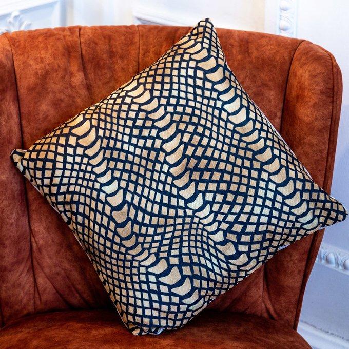 Интерьерная подушка Ящерица черно-золотого цвета