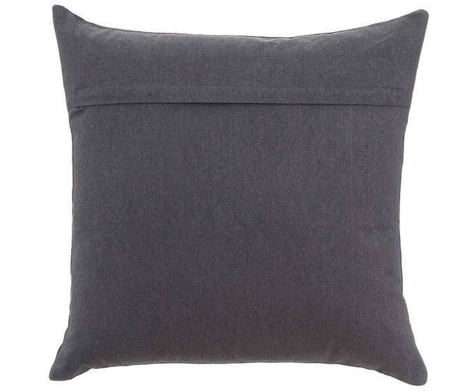 Декоративная подушка квадратной формы